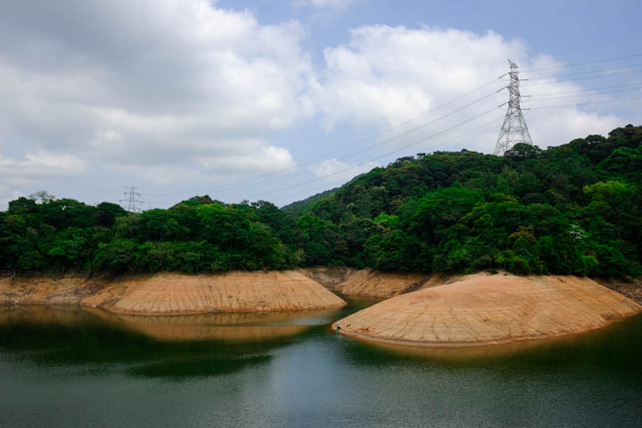 Kowloon Reservoir at the beginning of Maclehose Trail Section 6